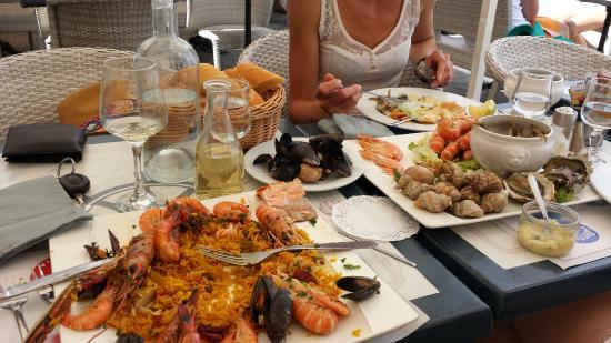 L'Escale : paella+plateau de fruits de mer