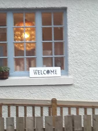 The Hideaway Cafe: Welcome :(