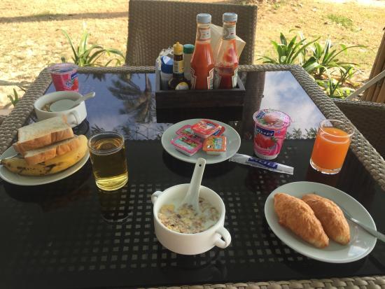 Samui Orchid The Ocean Resort: Frühstück