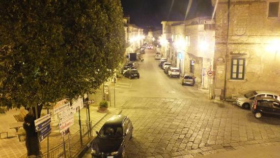 Lanzara, Italien: Via Vincenzo Calvanese e Parco della Rimembranza