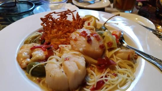 The Goblin Market: Scallops & Shrimp Saute on Angel Hair Pasta was delicious.