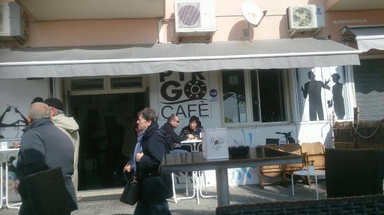 Pyrgo Cafe'