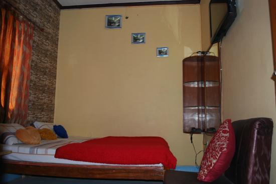 Hotel Rashmi: Ac room