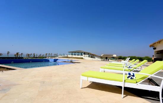 Serena Beach Resort Swimming Pool Laguna Bar