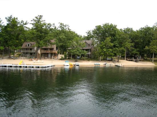 Snug Haven Lakeside Resort