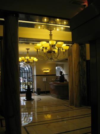 Britania Hotel: reception lobby