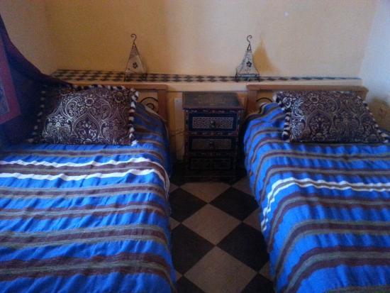 Dar Gabriel: twin bed