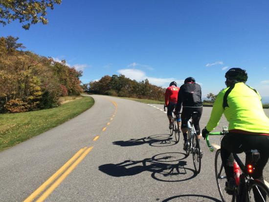 Velo Girl Rides: On the crest of the Blue Ridge high above Brevard NC