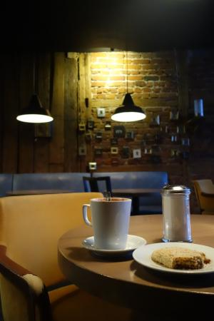 Riga Region, Latvia: En hyggelig kop