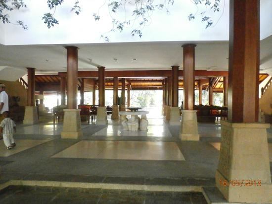Hotel Santika Premiere Beach Resort Bali: lobi