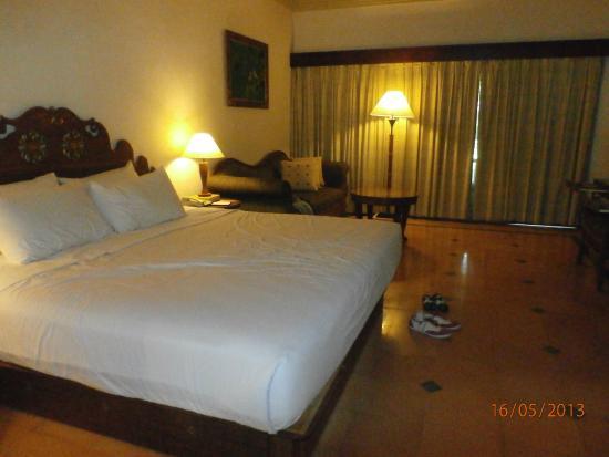 Hotel Santika Premiere Beach Resort Bali: kamar yg legaaa