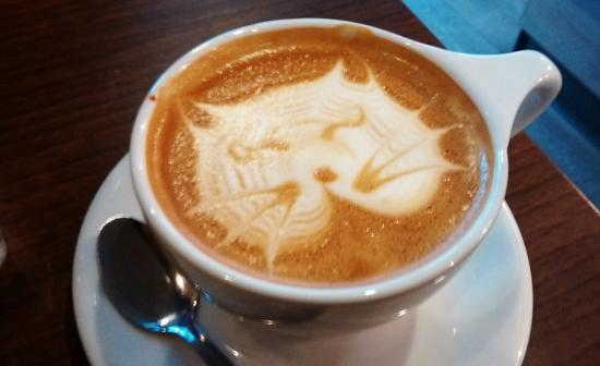 Lincoln Coffee House : lovely cat latte