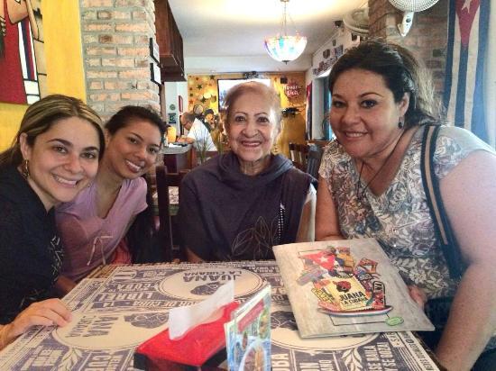 Juana la Cubana: Juana en familia
