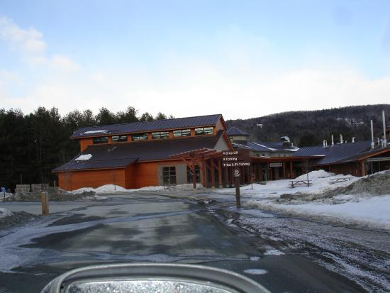King Arthur Flour: The Baker's Store and Baking Education Center: snowy parking lot