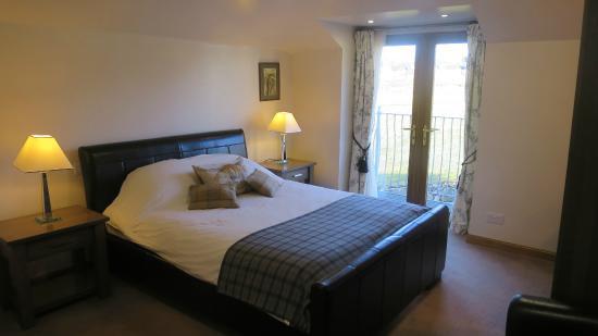 Kilnhall Guest House: Black Room