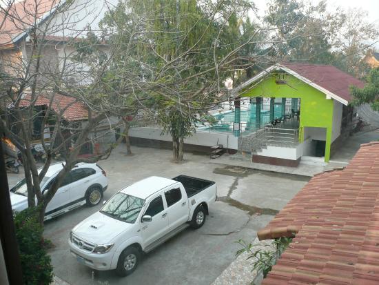 Vang Thong Hotel: vue sur la piscine