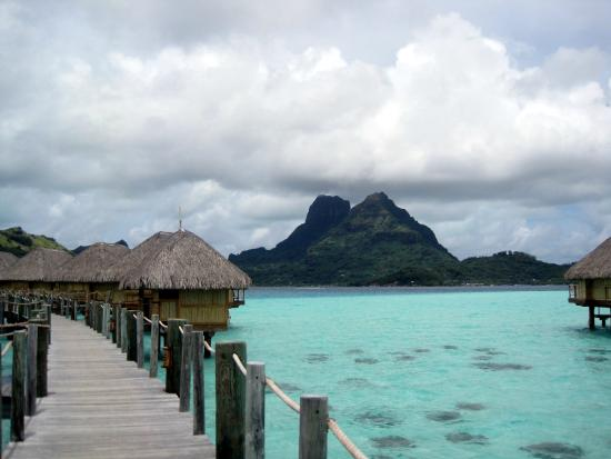 Bora Bora Pearl Beach Resort & Spa: View of Mt. Otemanu