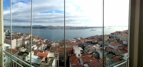 Maroonist: Balcony