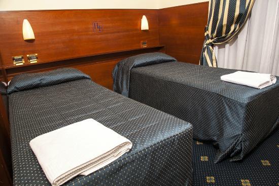 Hotel Fiorella: camera 101