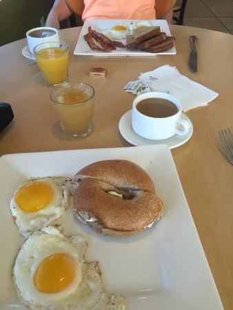 Caffe Moda: Amerikaans ontbijt