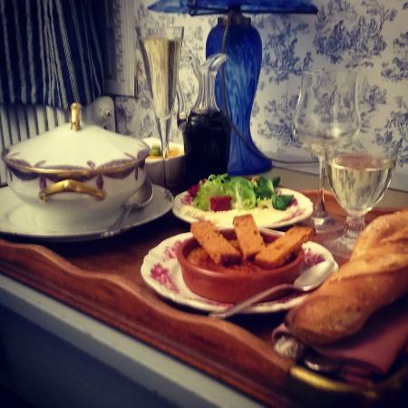 Chateau de la Marjolaine : Plateau repas préparé à mon arrivée