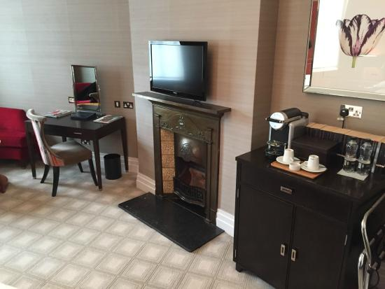 The Levin: Very spacious room with sitting area and hearth