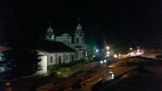 هوتل كاتدرال كازا كورنيجو: night view