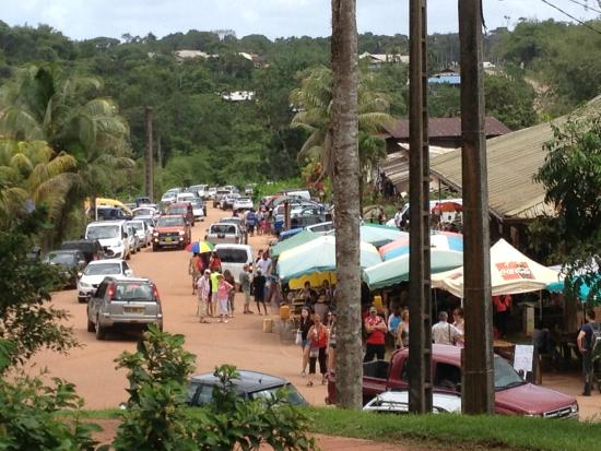 Roura, เฟรนช์เกียนา: Le marché depuis l'intérieur du village