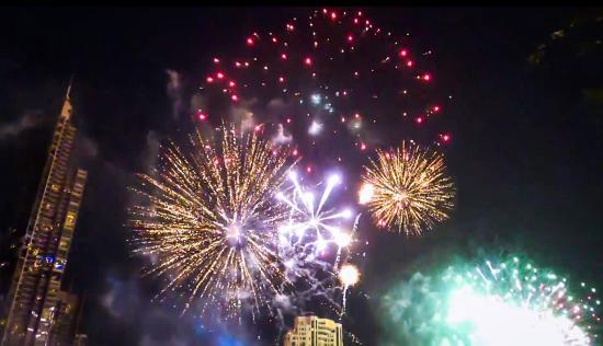 Shangri-La Hotel,Bangkok: Shangri-La Bangkok spectac New Year's Eve fireworks