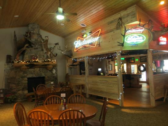 Trout Creek, MT: Lakeside Motel and Resort the Lodge Restaurant is attached to Rumors Lounge!