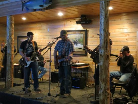 Trout Creek, Монтана: Lakeside Motel and Resort - Rumors Lounge we have live entertainment!