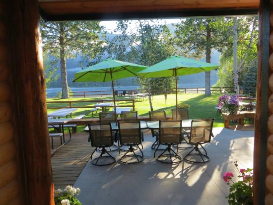 Trout Creek, Монтана: Lakeside Motel and Resort have a cold one on Rumors Lounge! patio