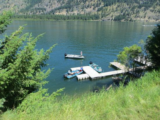 Trout Creek, Монтана: Lakeside Motel and Resort has docks available for our customers!