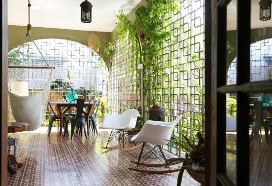 The Dreamcatcher: Lounge