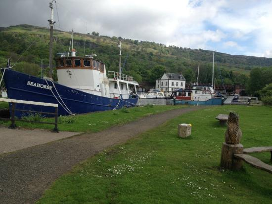 Grangemouth, UK: Boats docked at Bowling.