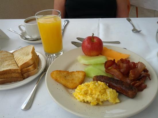 Sea Fans Beach Bar & Restaurant: Sea Fans Breakfast Buffet. Suitably Sufficed