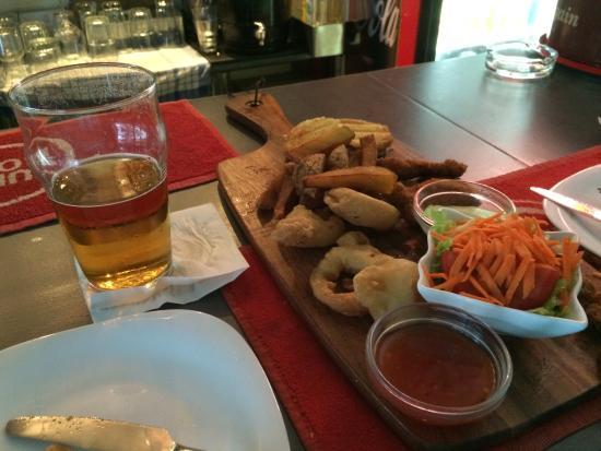 Bailey's Cafe Bar: Borrelhap :-)