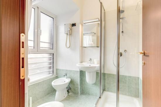 Hotel Flavio: bagno
