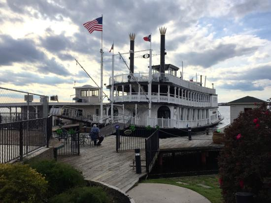 Willis, TX: Southern Empress at the dock