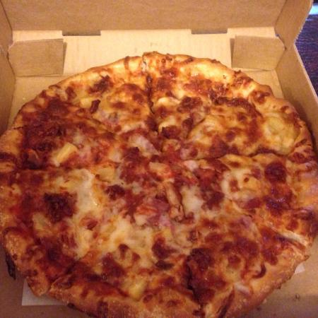Grafton, OH: Hawaiian pizza