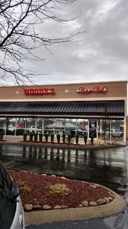 Woody's Bar-B-Q - Murfreesboro