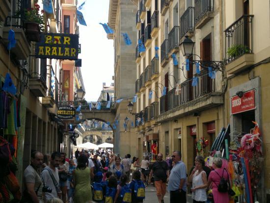 Calle del Puerto: fotografía de Restaurante Bernardo Etxea, San Sebastián -  Donostia - Tripadvisor