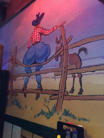 Green T Bar & Grill: Mural......nuff said