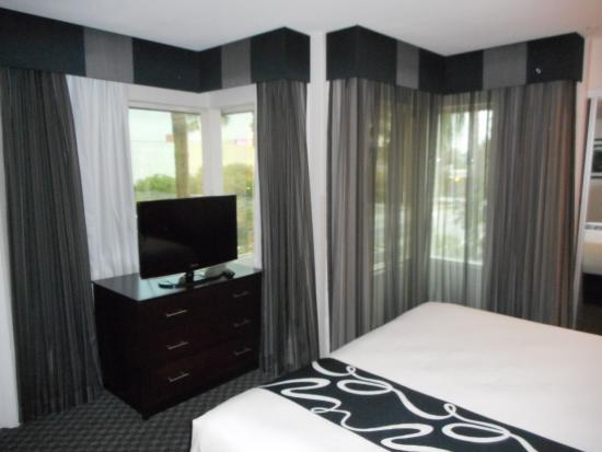 La Quinta Inn Amp Suites Anaheim 119 ̶1̶2̶9̶ Updated