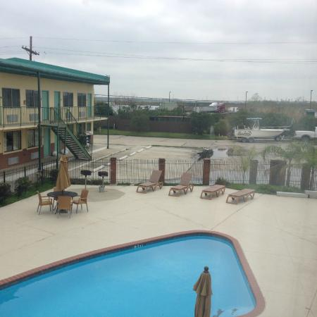 Marina Motel: Looking out the back over pool and toward water