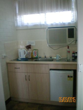 Burwood East Motel: Kitchenette
