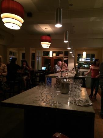JoLe: The bar