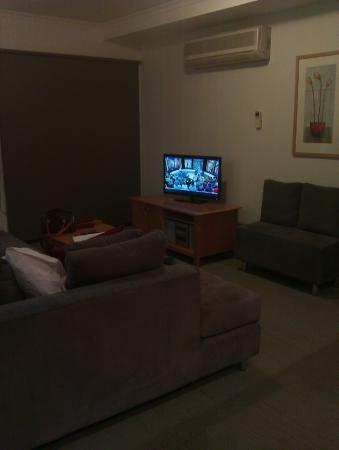 Quest Warrnambool : lounge