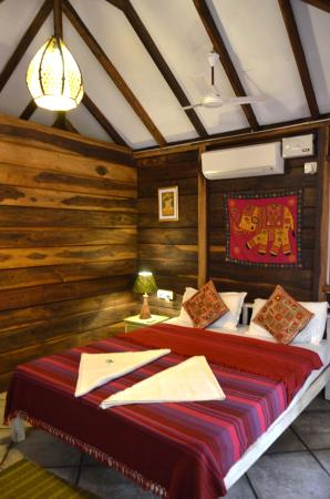 Little India Beach Cottages: Tropical Cottage 1