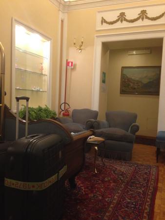 City Hotel: Lounge